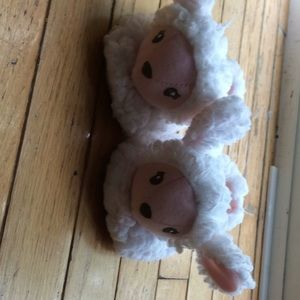 Adorable!!! NWOT baby girl slippers